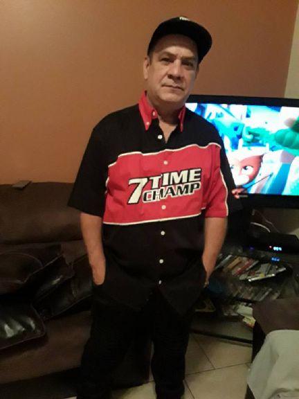 Manuelcarlis, Hombre de Orlando buscando amigos
