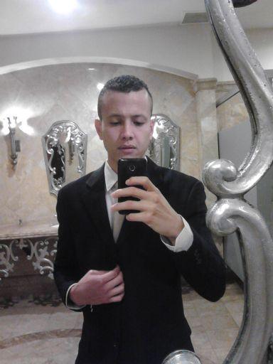 Daniel armijo, Chico de Tegucigalpa buscando conocer gente