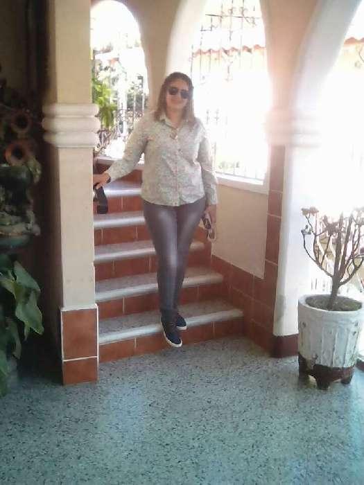 Daniela, Mujer de Tegucigalpa buscando conocer gente