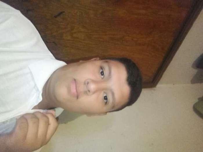 Alexisfnez, Chico de Tegucigalpa buscando amigos