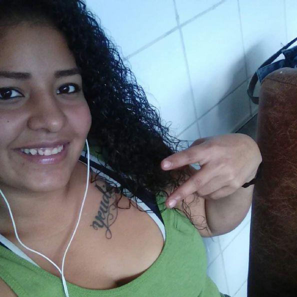 Yaritza, Chica de San José buscando pareja