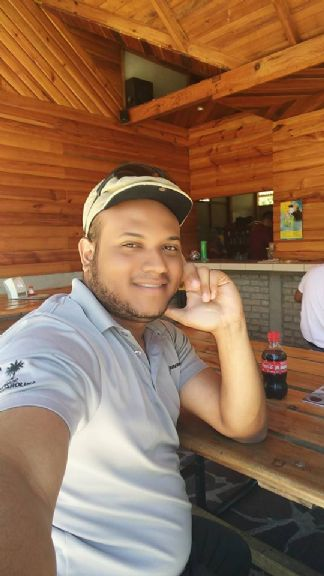 Alejandro, Chico de Managua buscando conocer gente