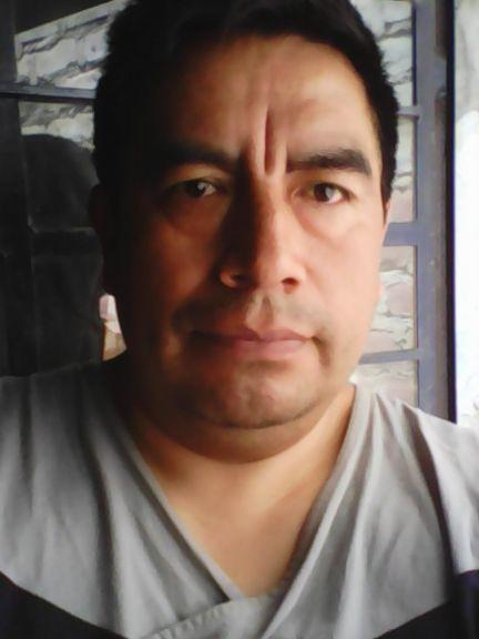 Efrain, Hombre de Lima buscando conocer gente