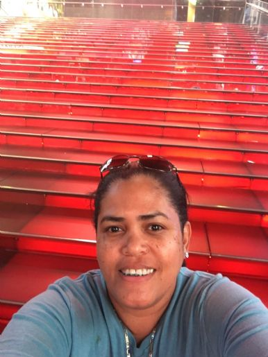 Aida gomez, Mujer de New York buscando conocer gente