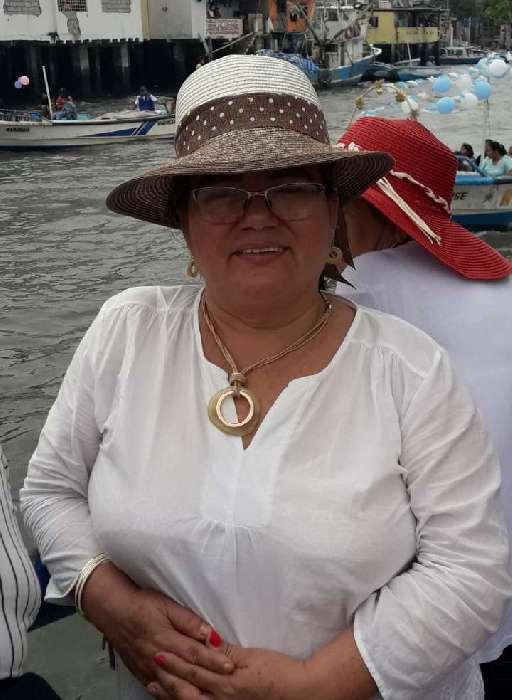 Azucena, Mujer de  buscando conocer gente