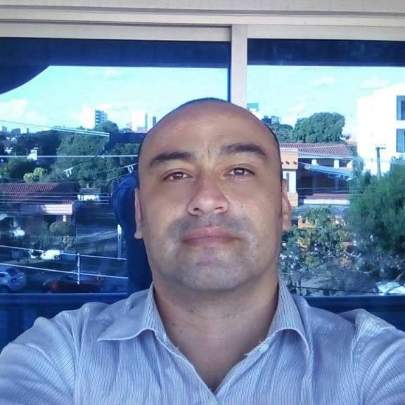 Simon, Hombre de Santa Cruz de la Sierra buscando pareja