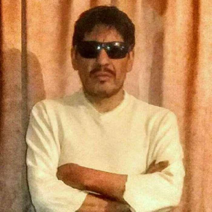 Tholyn, Hombre de La Paz buscando una cita ciegas