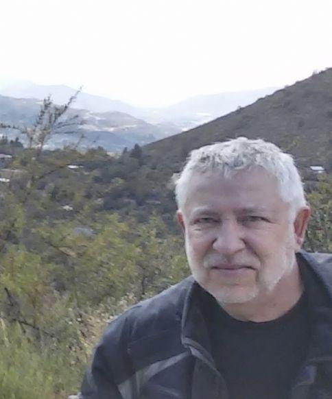 Alvaro, Hombre de Constitución buscando pareja