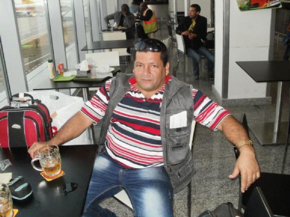 Abel hernandes, Hombre de Luanda buscando amigos
