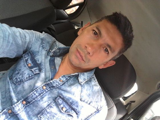 Carlos, Hombre de Quito buscando pareja