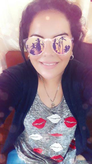 Lisbeth, Mujer de Panamá buscando una cita ciegas