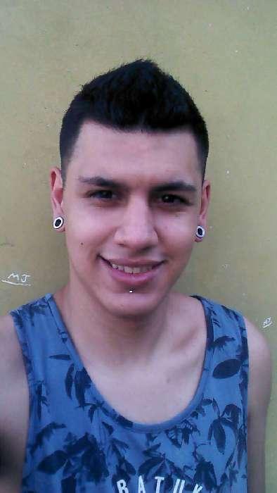 Leon, Chico de Rosario buscando pareja