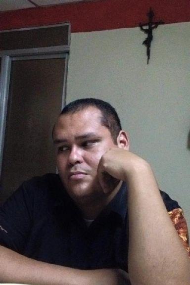 René, Hombre de Managua buscando pareja