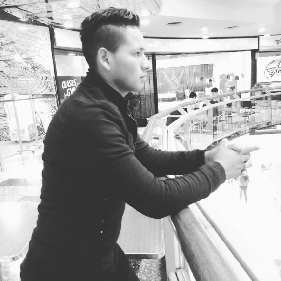 Jhon, Chico de Buenos Aires buscando una cita ciegas