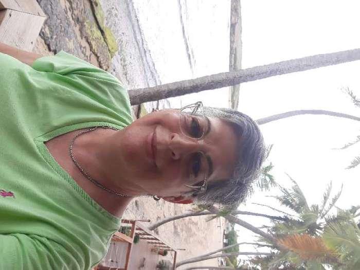 Yoly, Mujer de San Juan buscando amigos