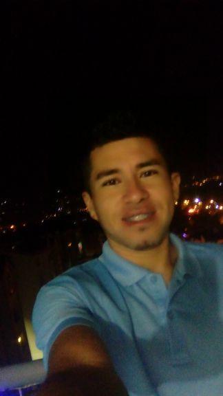 Dario, Chico de Popayán buscando una cita ciegas