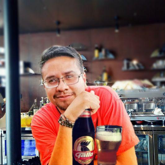 Edgar, Hombre de Guatemala buscando conocer gente
