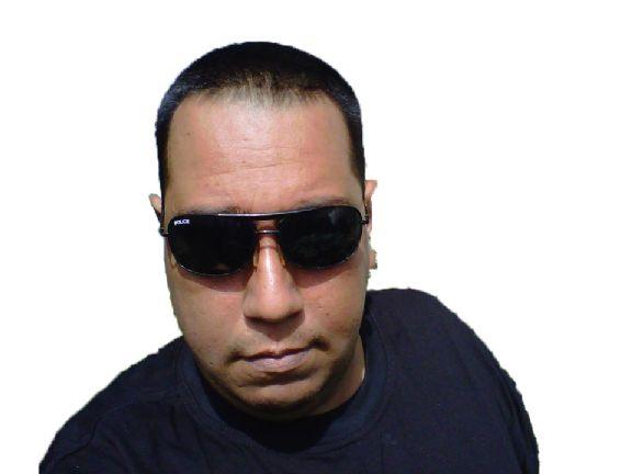 Anthony holmes, Hombre de Maracay buscando amigos