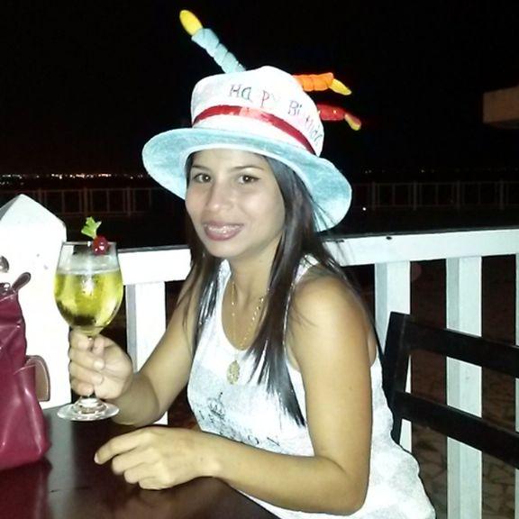 Zulay, Mujer de Puerto La Cruz buscando pareja