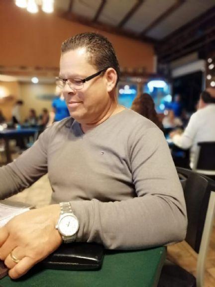 Jose luis, Hombre de San José buscando una cita ciegas