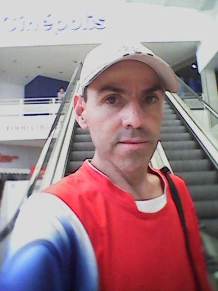 Álvaro, Hombre de Desamparados buscando pareja