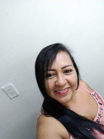 Angie, Mujer de  buscando una cita ciegas