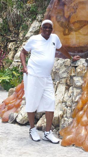 Narciso, Hombre de Fort Lauderdale buscando amigos