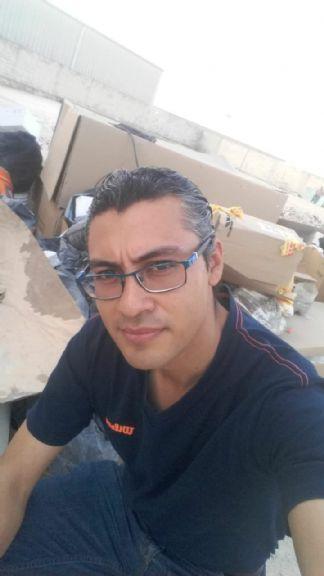 Lalo, Hombre de Mérida buscando amigos