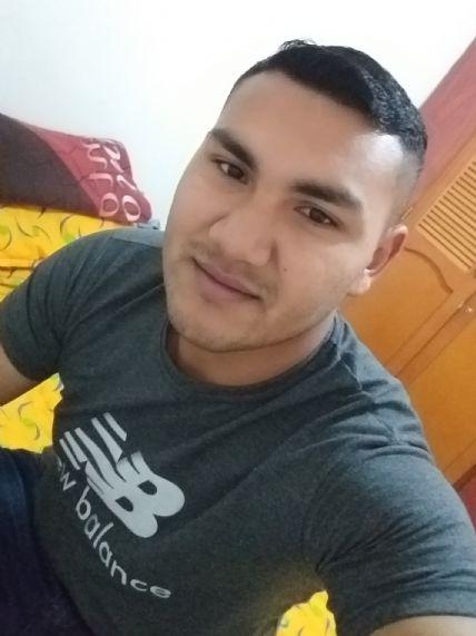 Christofer, Chico de Medellín buscando conocer gente