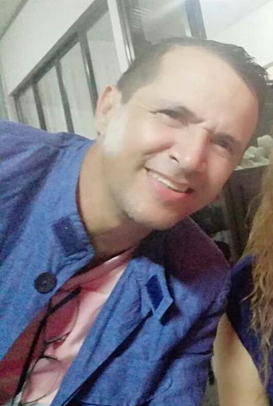 Miguel, Hombre de Alajuela buscando una cita ciegas