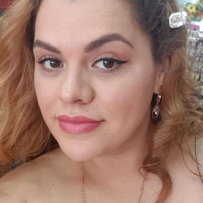 Dayana, Mujer de Alajuela buscando una cita ciegas