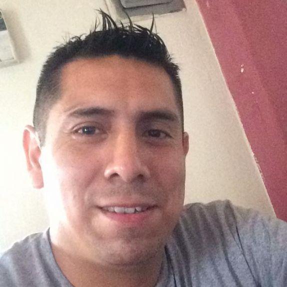 Alberto, Hombre de Lima buscando una cita ciegas