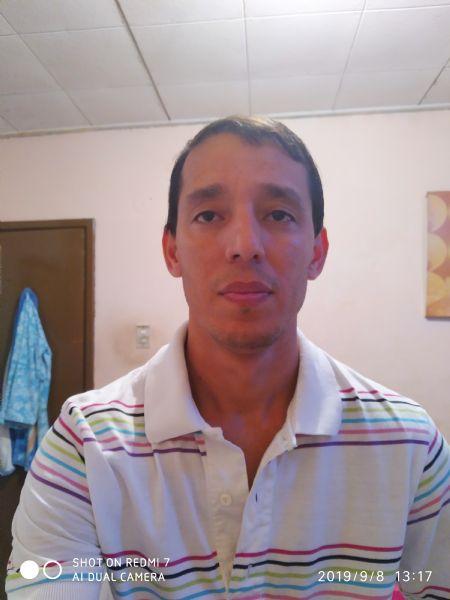 Oscar, Hombre de Maracay buscando una cita ciegas