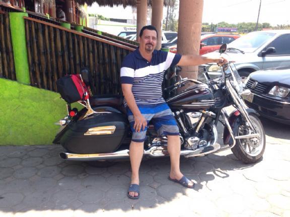 Fernando quiroga, Hombre de McAllen buscando pareja