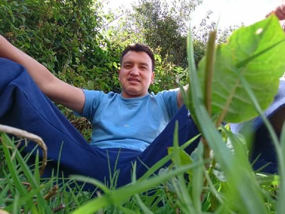Javier, Chico de Quito buscando una cita ciegas