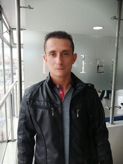 Jeferson, Hombre de Bogotá buscando amigos
