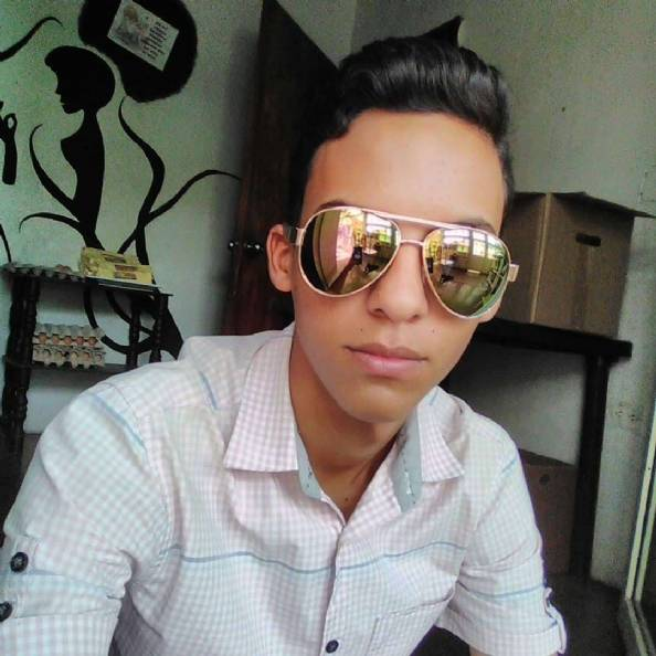 Anthony, Chico de Valencia buscando conocer gente
