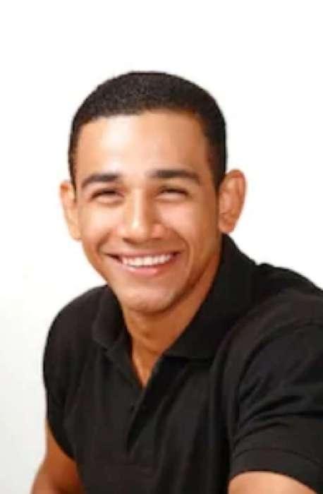 Ricardo, Hombre de Panamá buscando una cita ciegas