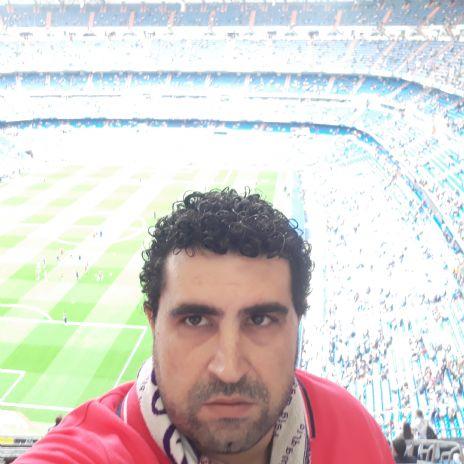 Alberto, Hombre de Alcalá de Henares buscando una cita ciegas