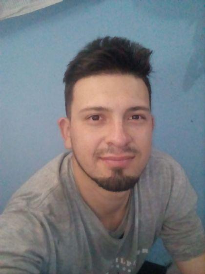 Eduardo, Chico de Quito buscando conocer gente