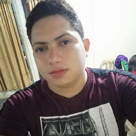 Luis, Chico de Montería buscando una cita ciegas