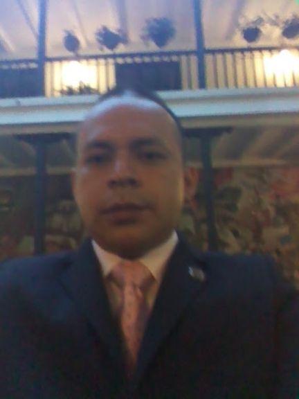 Luis alberto riascos, Hombre de Popayán buscando conocer gente