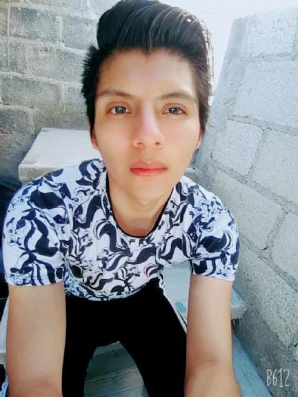 Charlie , Chico de Tlaxcala de Xicohténcatl buscando amigos