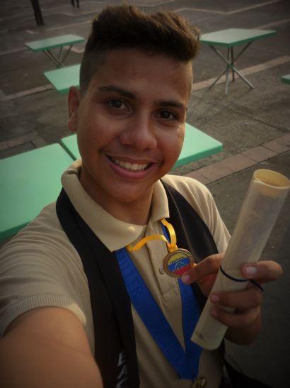 Pedro, Chico de Puerto La Cruz buscando una cita ciegas