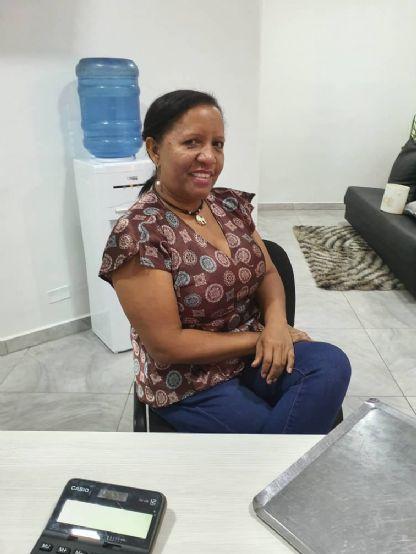 Carmen, Mujer de Ciudad Bolívar buscando una cita ciegas