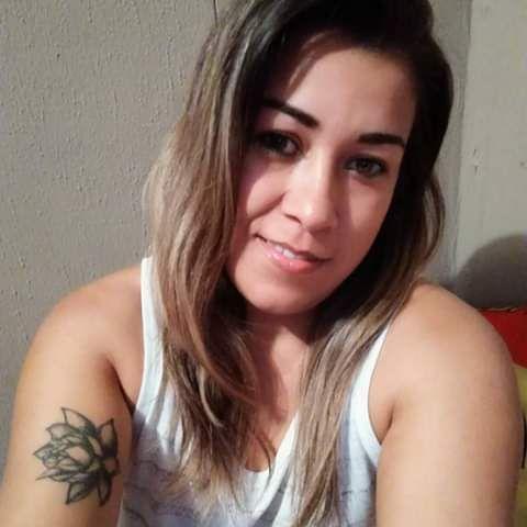 Elena, Mujer de Desamparados buscando conocer gente