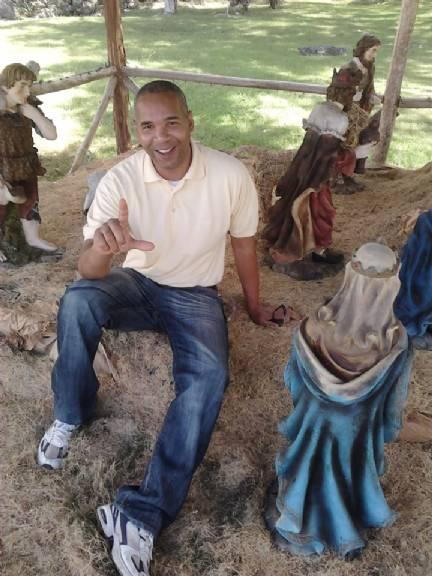 Rudy morel, Hombre de Santo Domingo buscando amigos