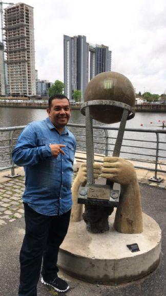 Angel miguel, Hombre de Santiago buscando una cita ciegas
