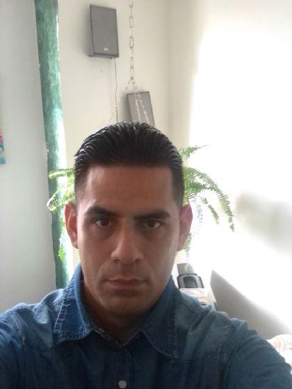 Jorge acuña, Hombre de Caracas buscando una cita ciegas