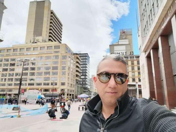 Alejandro, Hombre de Bogotá buscando conocer gente